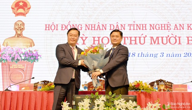 Kiện toàn nhân sự cấp cao tại Khánh Hòa, Nghệ An, Vĩnh Long ảnh 2
