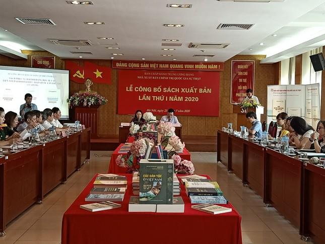 Công bố sách của Tổng Bí thư, Chủ tịch nước về chuẩn bị đại hội Đảng các cấp ảnh 1
