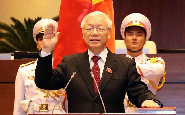 Lời tuyên thệ 'dưới cờ đỏ sao vàng thiêng liêng của Tổ quốc' ảnh 3