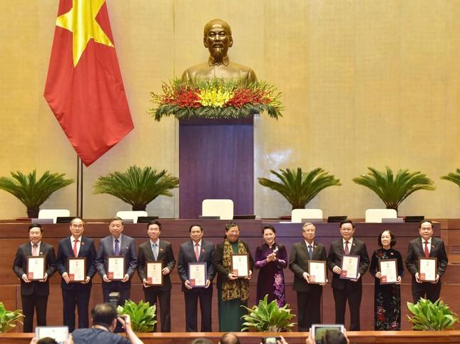 Trao Kỷ niệm chương cho Chủ tịch Quốc hội Nguyễn Thị Kim Ngân, Thủ tướng Nguyễn Xuân Phúc ảnh 1