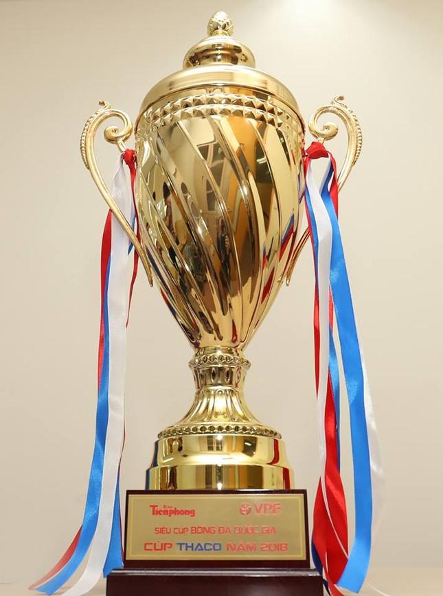 Cận cảnh chiếc cúp vô địch Siêu Cup Quốc gia 2018 ảnh 1