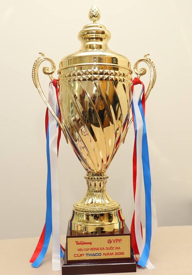 Cận cảnh chiếc cúp vô địch Siêu Cup Quốc gia 2018 ảnh 5