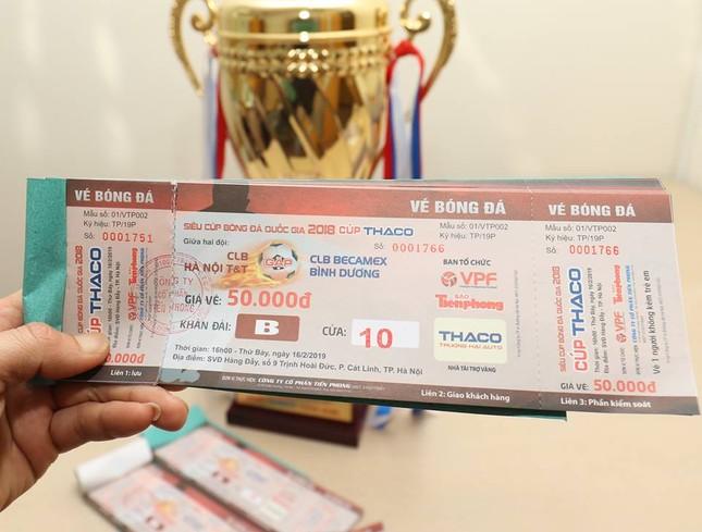 Cận cảnh chiếc cúp vô địch Siêu Cup Quốc gia 2018 ảnh 7