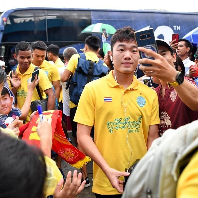 Thủ thành Đặng Văn Lâm tái xuất buồn sau King's Cup ảnh 1