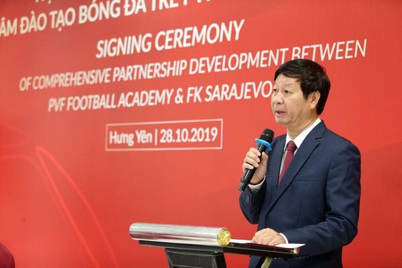 Cầu thủ Việt Nam thêm cơ hội thi đấu ở châu Âu ảnh 1