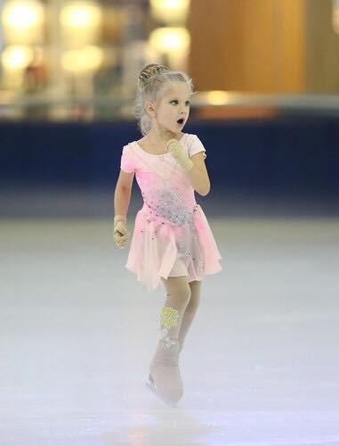 Ngắm vẻ đẹp các thiên thần trượt băng nghệ thuật ảnh 4