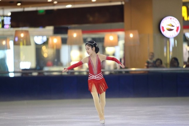 Ngắm vẻ đẹp các thiên thần trượt băng nghệ thuật ảnh 9