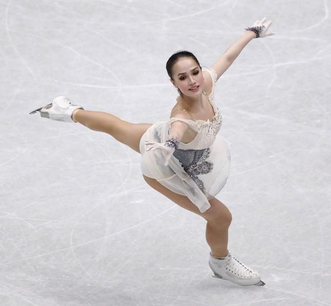 'Thiên thần' trượt băng được ông Putin chúc mừng sinh nhật ảnh 1