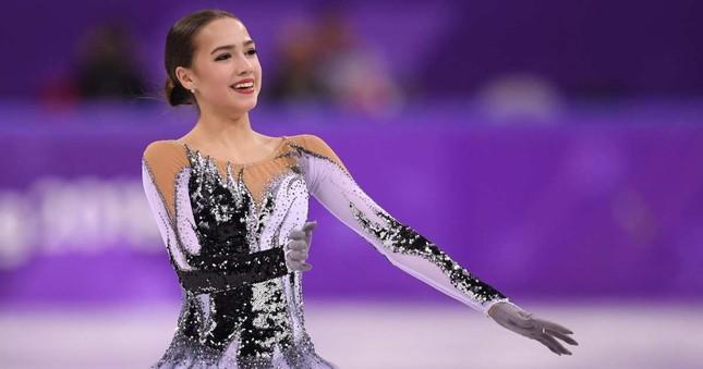 'Thiên thần' trượt băng được ông Putin chúc mừng sinh nhật ảnh 5