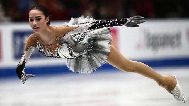 'Thiên thần' trượt băng được ông Putin chúc mừng sinh nhật ảnh 6