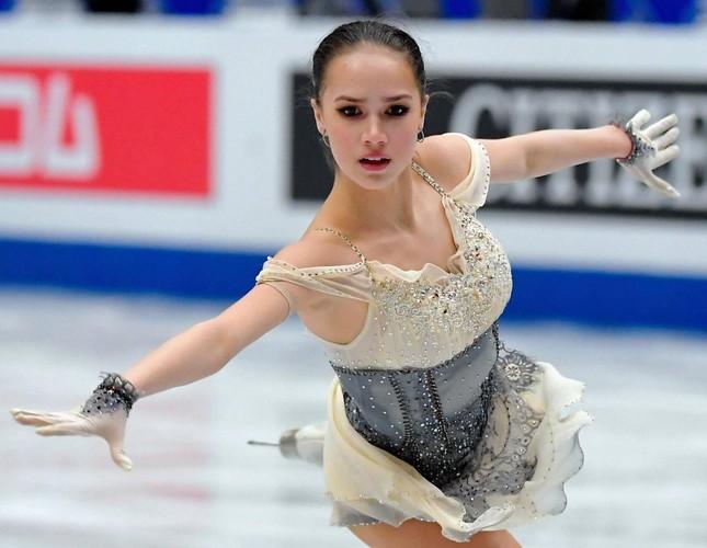 'Thiên thần' trượt băng được ông Putin chúc mừng sinh nhật ảnh 8