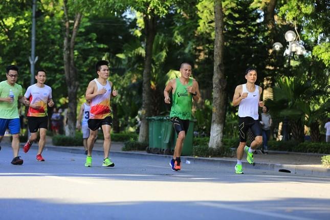 Các chân chạy Hà thành rầm rộ tổng duyệt cho Tiền Phong Marathon 2020 ảnh 10
