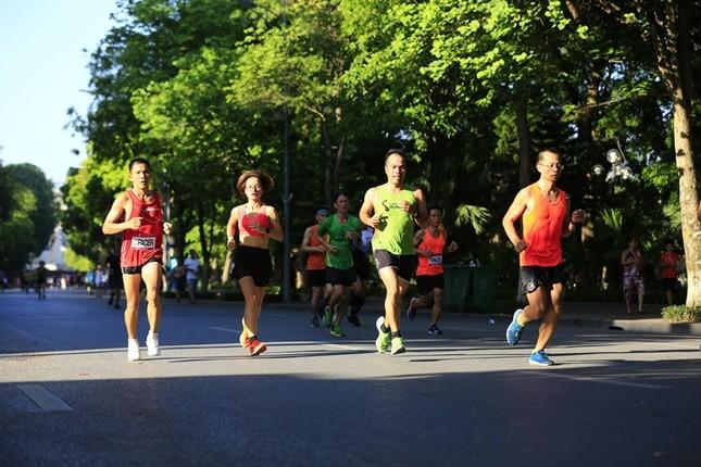 Các chân chạy Hà thành rầm rộ tổng duyệt cho Tiền Phong Marathon 2020 ảnh 11