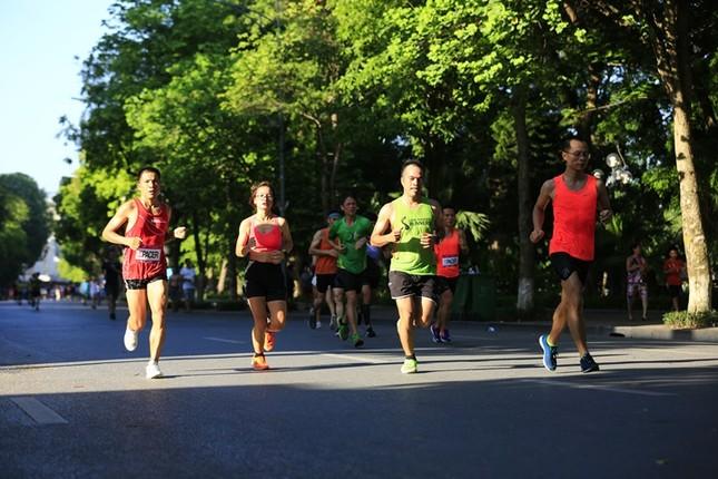 Các chân chạy Hà thành rầm rộ tổng duyệt cho Tiền Phong Marathon 2020 ảnh 12