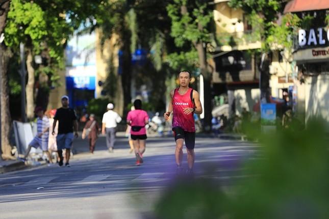 Các chân chạy Hà thành rầm rộ tổng duyệt cho Tiền Phong Marathon 2020 ảnh 14