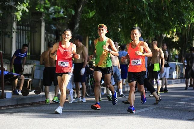 Các chân chạy Hà thành rầm rộ tổng duyệt cho Tiền Phong Marathon 2020 ảnh 16