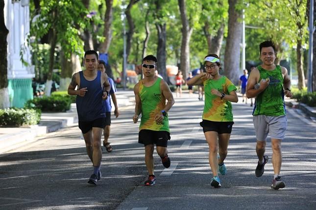 Các chân chạy Hà thành rầm rộ tổng duyệt cho Tiền Phong Marathon 2020 ảnh 17