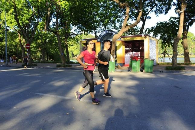 Các chân chạy Hà thành rầm rộ tổng duyệt cho Tiền Phong Marathon 2020 ảnh 1