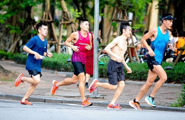 Các chân chạy Hà thành rầm rộ tổng duyệt cho Tiền Phong Marathon 2020 ảnh 9