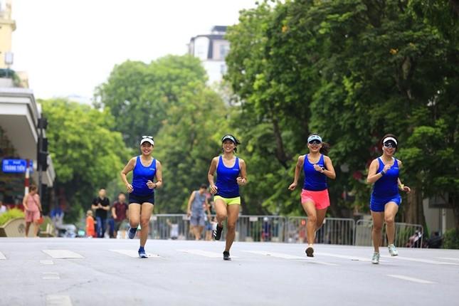 Các chân chạy Hà thành rầm rộ tổng duyệt cho Tiền Phong Marathon 2020 ảnh 2