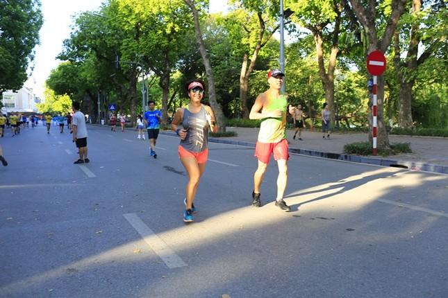 Các chân chạy Hà thành rầm rộ tổng duyệt cho Tiền Phong Marathon 2020 ảnh 3