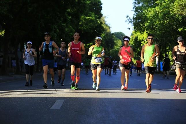 Các chân chạy Hà thành rầm rộ tổng duyệt cho Tiền Phong Marathon 2020 ảnh 6