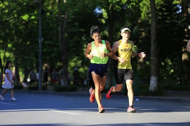 Các chân chạy Hà thành rầm rộ tổng duyệt cho Tiền Phong Marathon 2020 ảnh 8