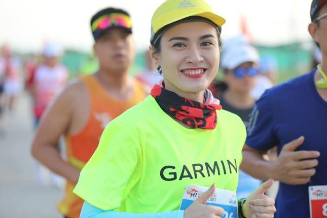 Những bóng hồng rạng rỡ trên đường chạy Tiền Phong Marathon 2020 ảnh 10
