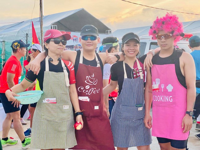 Rực rỡ sắc màu trên đường chạy Tiền Phong Marathon 2020 ảnh 3