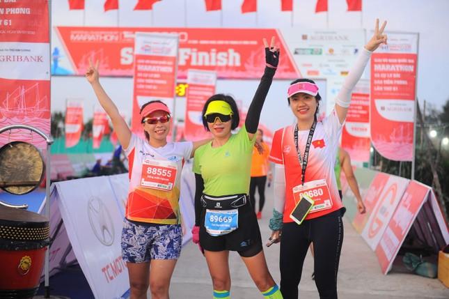 Rực rỡ sắc màu trên đường chạy Tiền Phong Marathon 2020 ảnh 12