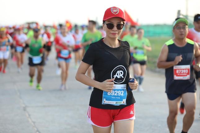 Những bóng hồng rạng rỡ trên đường chạy Tiền Phong Marathon 2020 ảnh 7
