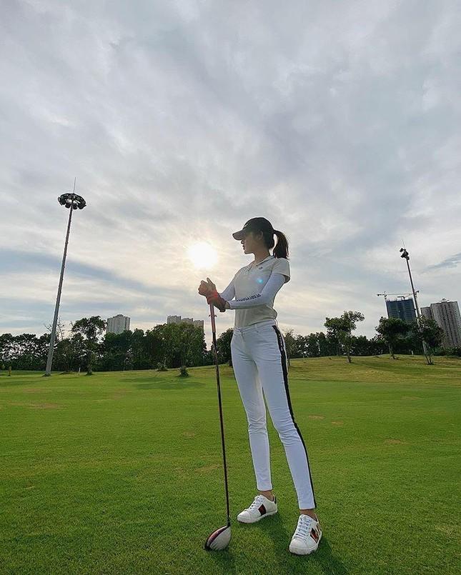 Á hậu Huyền My: 'Golf giúp tôi rèn tính kiên trì, vóc dáng thon gọn' ảnh 3