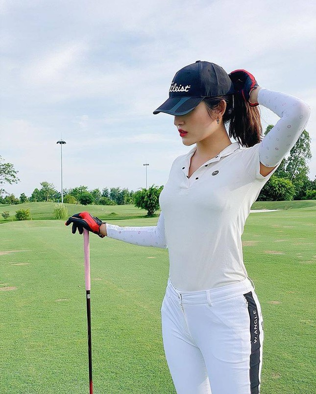 Á hậu Huyền My: 'Golf giúp tôi rèn tính kiên trì, vóc dáng thon gọn' ảnh 4