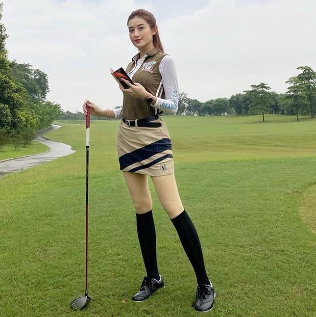 Á hậu Huyền My: 'Golf giúp tôi rèn tính kiên trì, vóc dáng thon gọn' ảnh 5