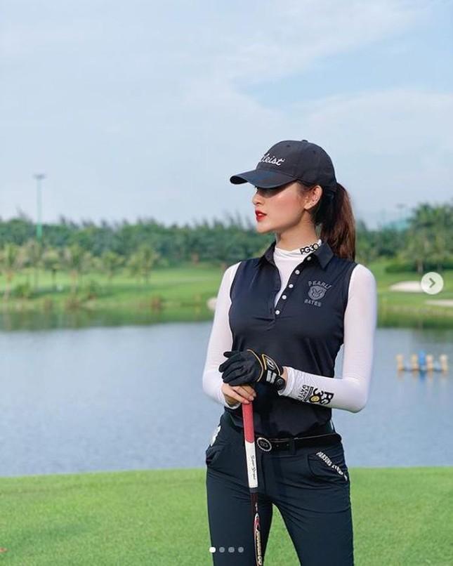 Á hậu Huyền My: 'Golf giúp tôi rèn tính kiên trì, vóc dáng thon gọn' ảnh 6