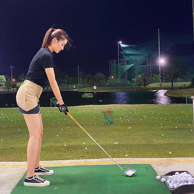 Á hậu Huyền My: 'Golf giúp tôi rèn tính kiên trì, vóc dáng thon gọn' ảnh 7