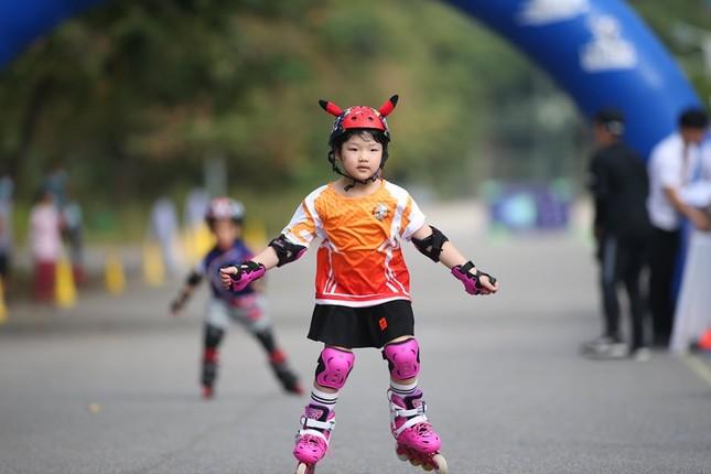 Bé 5 tuổi trượt patin ở Mỹ Đình để chọn tuyển thủ quốc gia ảnh 6