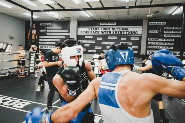 Võ sĩ Trần Văn Thảo tập luyện 'đổ máu' cho trận tranh đai vô địch IBA thế giới ảnh 6