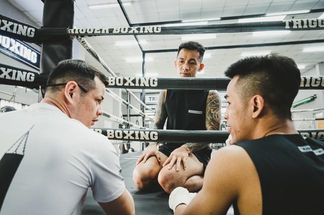 Võ sĩ Trần Văn Thảo tập luyện 'đổ máu' cho trận tranh đai vô địch IBA thế giới ảnh 14