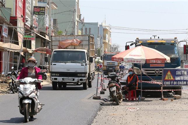 Gia Lai làm mới mặt đường đón Tiền Phong Marathon 2021 ảnh 9