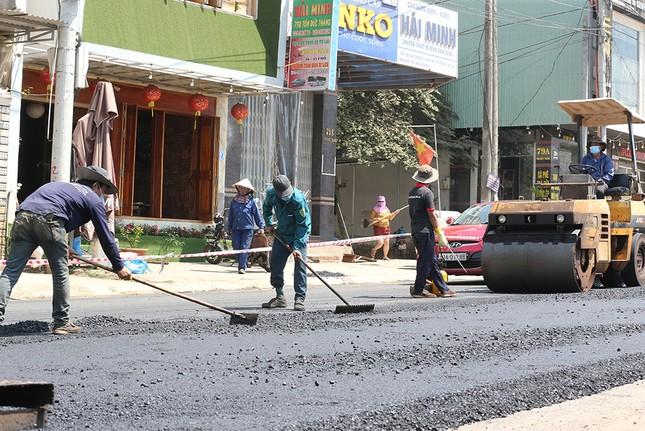 Gia Lai làm mới mặt đường đón Tiền Phong Marathon 2021 ảnh 1