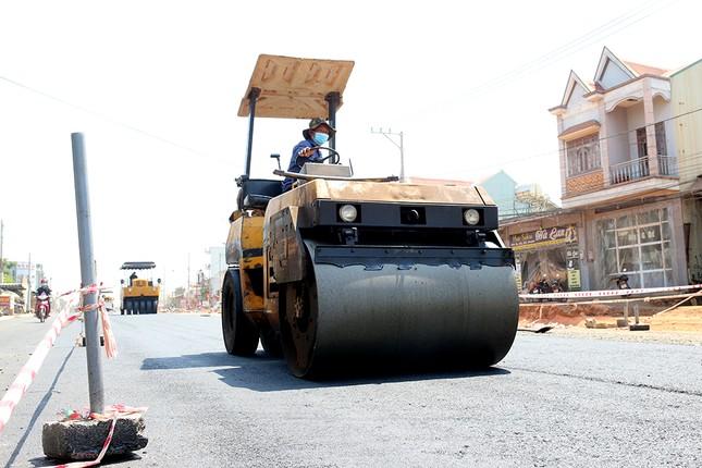 Gia Lai làm mới mặt đường đón Tiền Phong Marathon 2021 ảnh 7