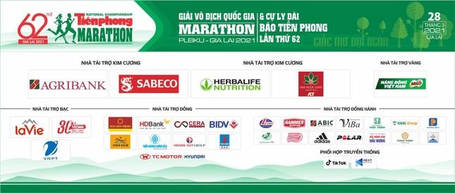 Ông Đoàn Ngọc Hải tranh tài cự ly 42 km tại Tiền Phong Marathon 2021 ảnh 2