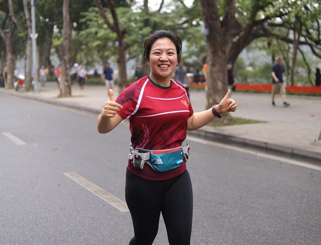Runner Hà thành khổ luyện sớm tinh mơ cho Tiền Phong Marathon 2021 ảnh 19