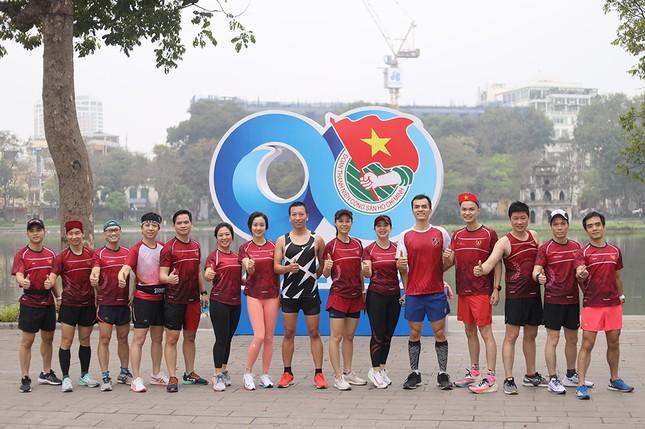 Runner Hà thành khổ luyện sớm tinh mơ cho Tiền Phong Marathon 2021 ảnh 20