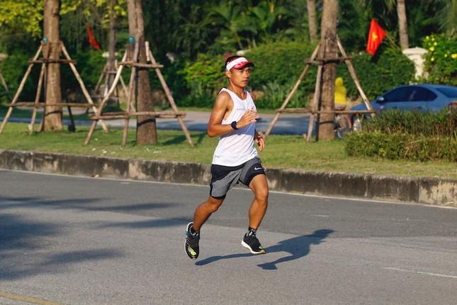 'Tam ca' bình luận viên Tiền Phong Marathon: Chờ đợi kịch tính ở miền đại ngàn Gia Lai ảnh 3