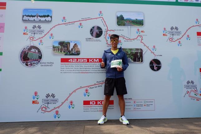 Runner nhận BIB, sẵn sàng tranh tài tại Tiền Phong Marathon ảnh 10