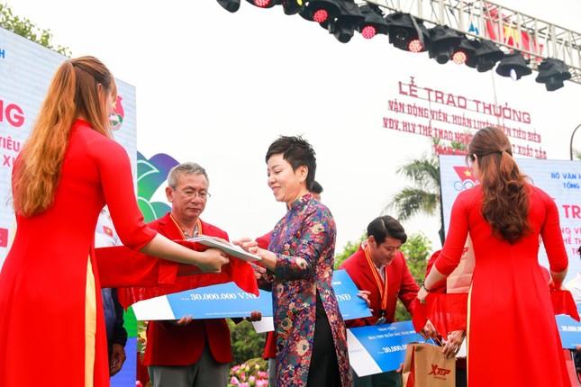 """""""Bông hồng thép"""" Nguyễn Thị Nhung khởi nghiệp hỗ trợ VĐV ảnh 1"""