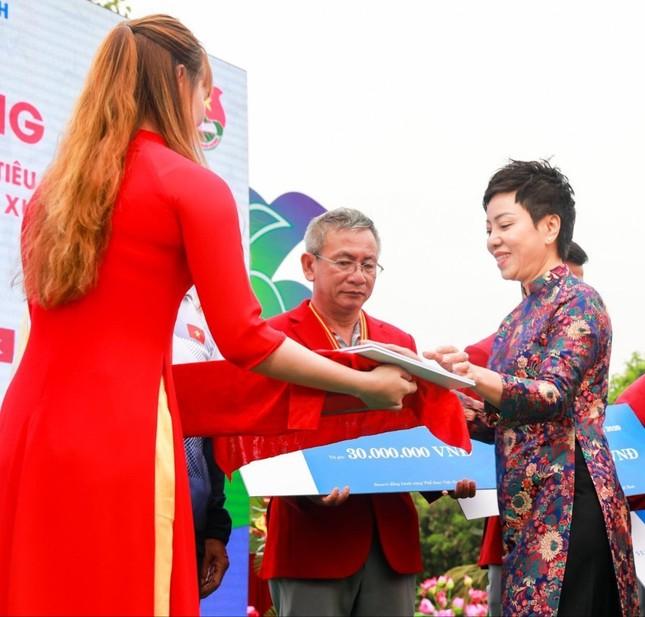 """""""Bông hồng thép"""" Nguyễn Thị Nhung khởi nghiệp hỗ trợ VĐV ảnh 2"""