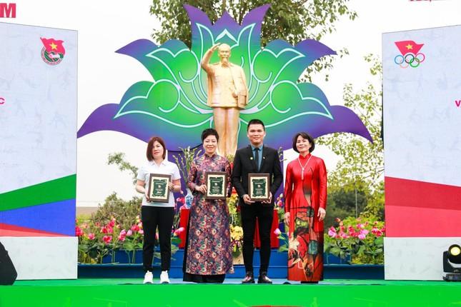"""""""Bông hồng thép"""" Nguyễn Thị Nhung khởi nghiệp hỗ trợ VĐV ảnh 6"""